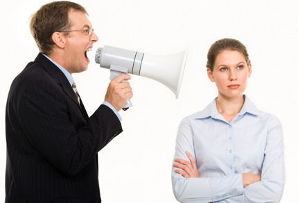 إعرف ثمانية أساسيات تجعل الناس يصغون إليك